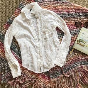 100% Cotton + soft + button down blouse✨ sz XS
